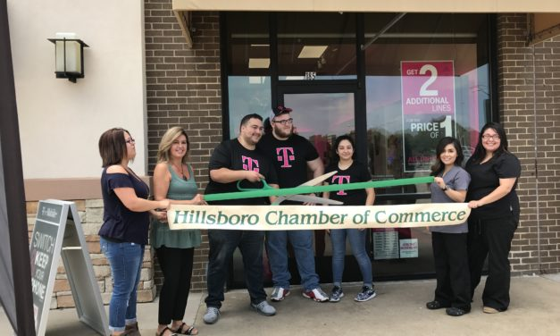 Pix T-Mobile Ribbon Cutting